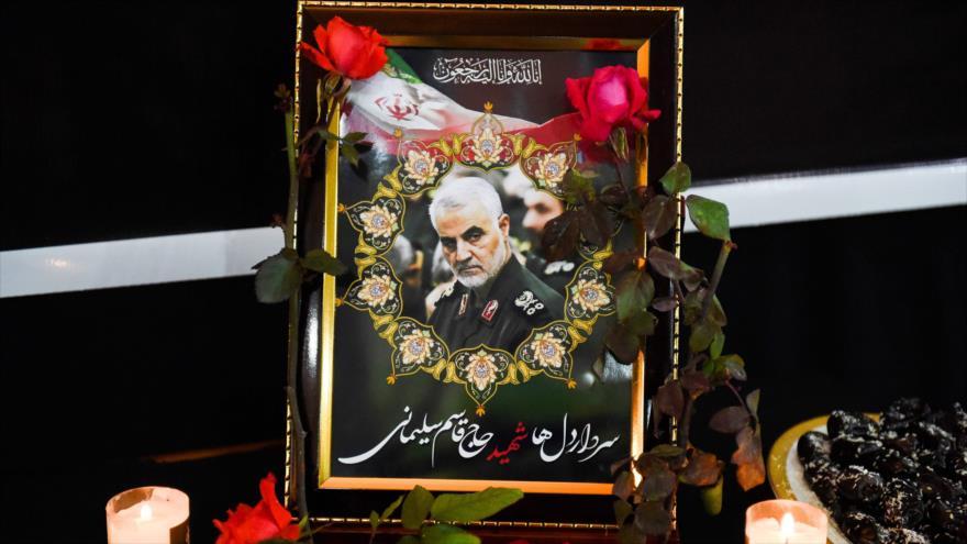 Una fotografía del comandante iraní Qasem Soleimani durante una ceremonia para rendirle homenaje.