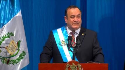 Giammattei toma posesión como nuevo presidente de Guatemala