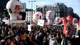 Franceses salen a las calles en una nueva jornada de protestas