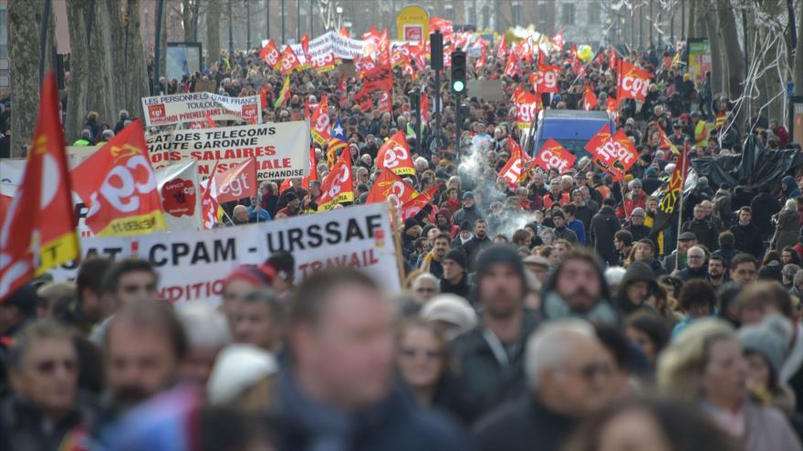 Continúan huelgas y manifestaciones en las ciudades de Francia