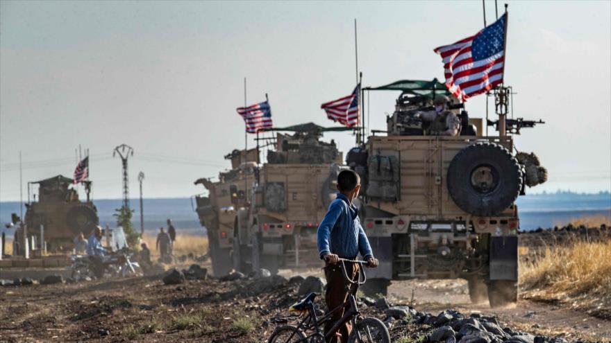 Un convoy de vehículos militares de EE.UU. cerca de la ciudad de Qahtaniyah, Siria, 31 de octubre de 2019. (Foto: AFP)