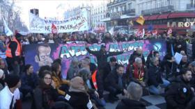 Franceses se manifiestan contra reforma de las pensiones