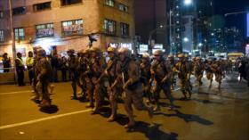 Gobierno de facto de Bolivia saca el equipo antimotines a las calles