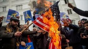 Con masivas marchas, iraníes renuevan su lealtad al Líder y FFAA
