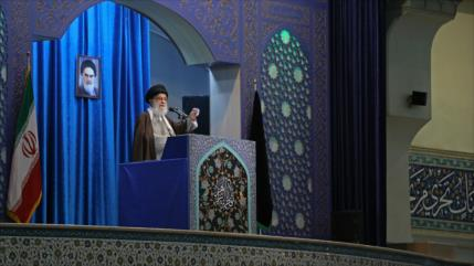 Líder iraní alerta que EEUU busca crear caos y fragmentar Irak