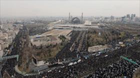 Pueblo iraní hace gala de unidad en rezo oficiado por su Líder