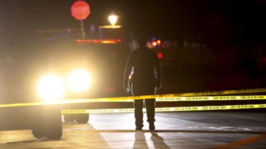 La Policía vigila tras un tiroteo en una casa en el estado de Utah, en el oeste de EE.UU., 17 de enero de 2020.