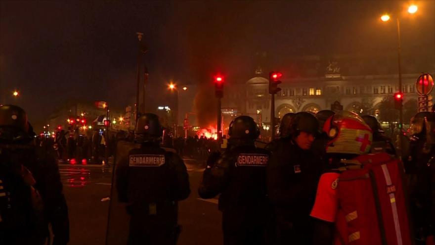 Ataque yemení. Represión en Francia. Crisis migratoria