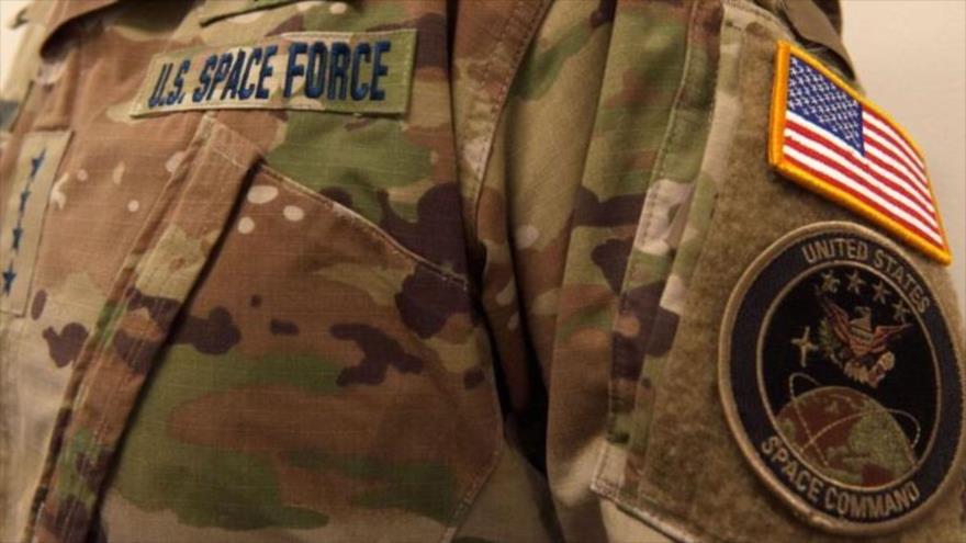 Foto del uniforme de la Fuerza Espacial de EE.UU., colgada en la cuenta de Twitter de esta división militar, 18 de enero de 2020.