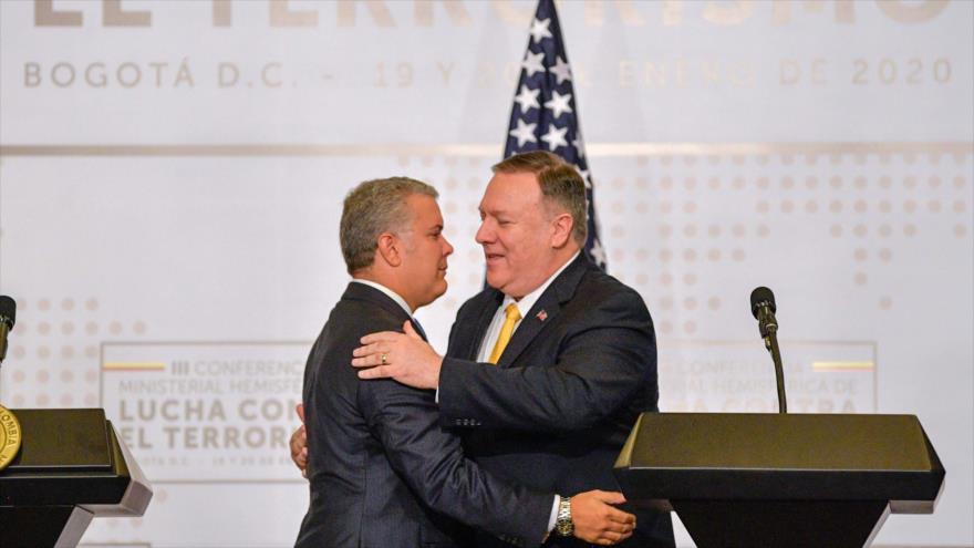 El presidente colombiano, Iván Duque (izda.), se reúne con el secretario de Estado de EE.UU., Mike Pompeo, en Bogotá, 20 de enero de 2020. (Foto: AFP)