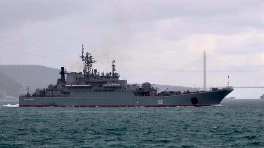 Barco ruso cargado con tanques es avistado en el estrecho del Bósforo, 20 de enero de 2020.
