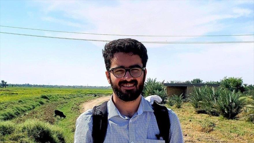 EEUU detiene sin cargos a un estudiante iraní y amenaza con deportarlo