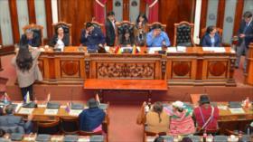 Asamblea de Bolivia admite renuncia de Evo Morales y García Linera