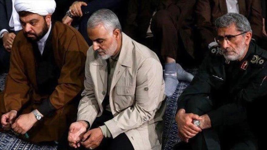 El nuevo comandante de la Fuerza Quds de Irán, Ismail Qaani (dcha.) junto a su predecesor asesinado Qasem Soleimani.