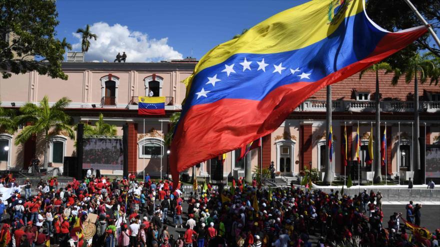 Venezolanos salen a las calles para marchar contra el imperialismo | HISPANTV