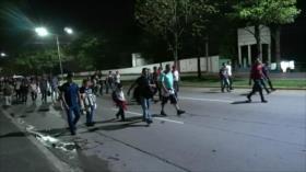 Hondureños encuentran muro en frontera de Guatemala y México