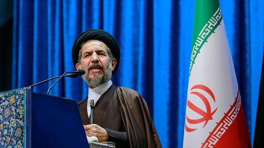 El hoyatolislam Mohamad Hasan Abu Torabi Fard ofrece su sermón del rezo del viernes de Teherán, la capital persa, 24 de enero de 2020. (Foto: Fars)