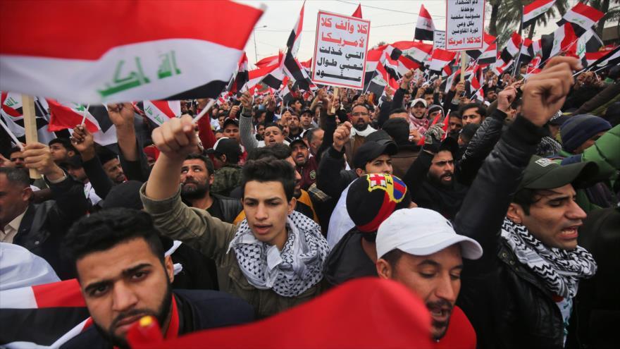 Decenas de miles de iraquíes marchan contra la presencia de EE.UU. en su país, Bagdad (capital), 24 de enero de 2020. (Foto: AFP)