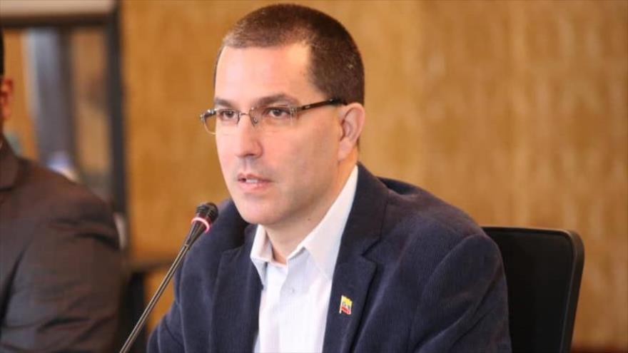 El canciller de Venezuela, Jorge Arreaza, en una reunión con delegados de movimientos sociales, sindicales y partidos políticos, Caracas, 24 de enero de 2020.