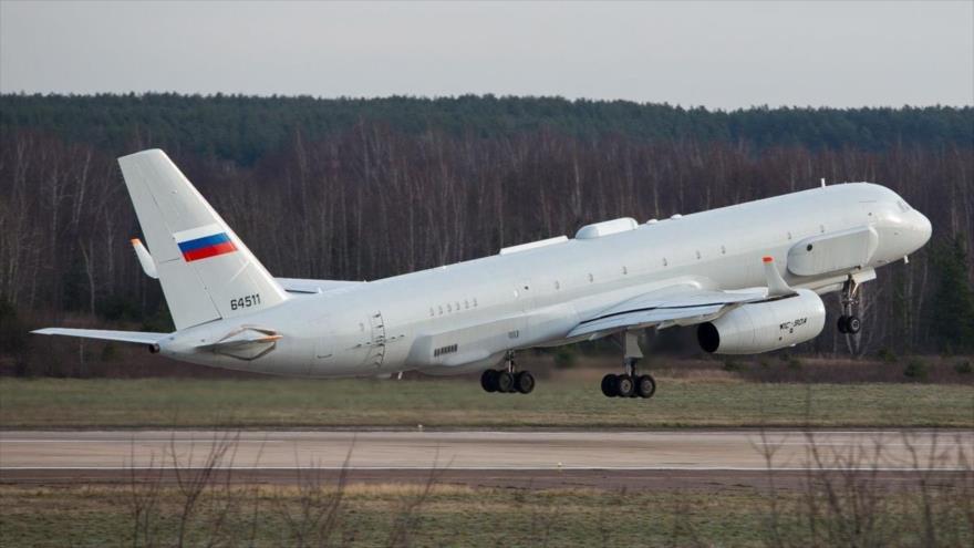 Avión de reconocimiento Tu-214R de Rusia.