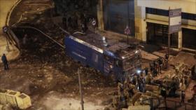 Policía libanesa dispersa a manifestantes con cañones de agua