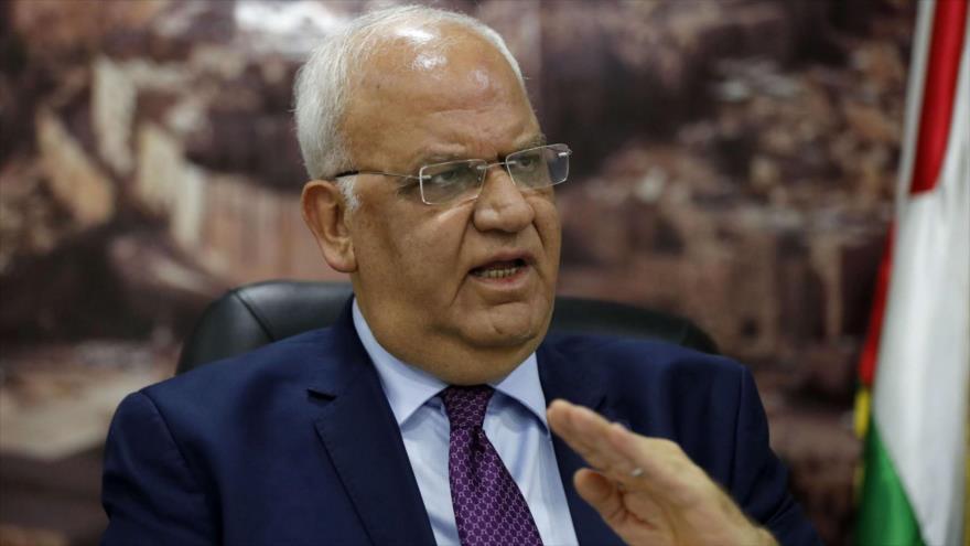 El secretario general de la Organización para la Liberación de Palestina (OLP), Saeb Erekat, en una rueda de prensa en Ramalá. (Foto: AFP)