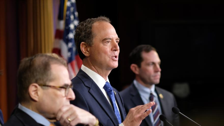 Adam Schiff, a cargo del proceso de impeachment contra Donald Trump, habla ante el Capitolio, Washington, 25 de enero de 2020. (Foto: AFP)