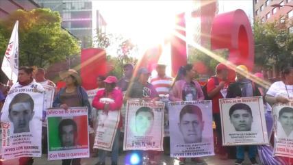 En México, padres de Ayotzinapa reconocen avances de investigación