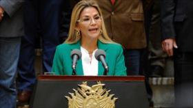 Áñez pide renuncia de sus ministros para preparar su candidatura