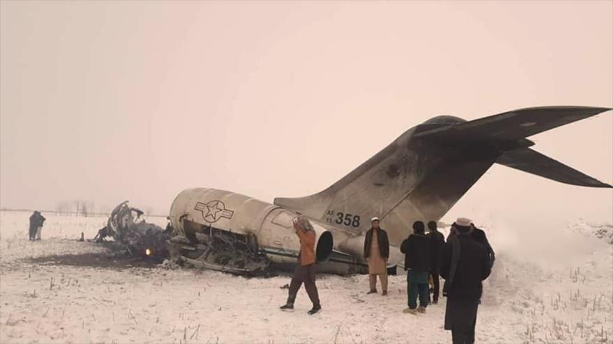 """Talibán abate avión de EEUU """"con agentes de CIA"""" en Afganistán"""
