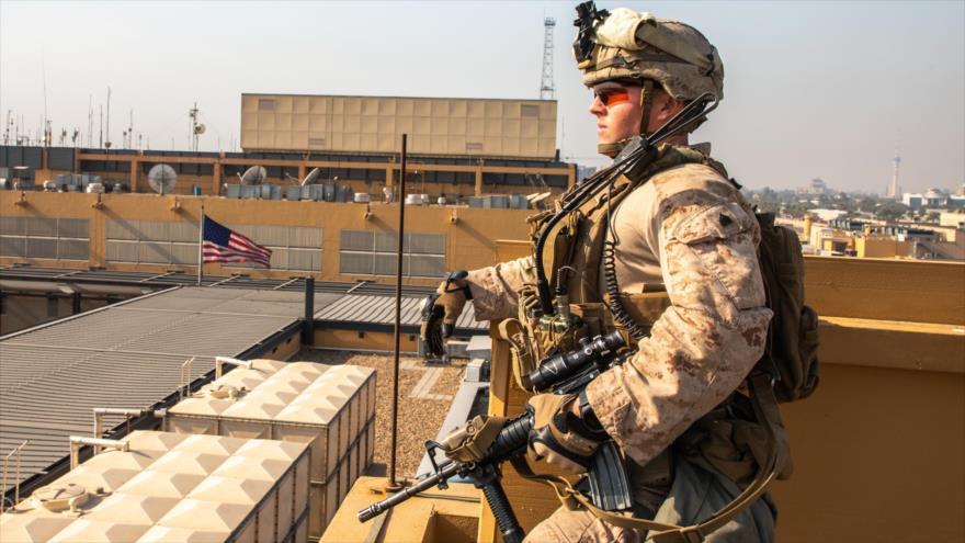 Un militar de EE.UU. en la embajada estadounidense en Bagdad, capital de Irak, 3 de enero de 2020. (Foto: AFP)