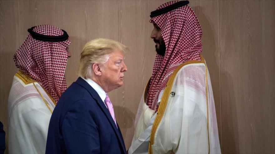 El presidente de EE.UU., Donald Trump, y el príncipe heredero saudí, Muhamed bn Salman (dcha), Osaka, Japón, 28 de junio de 2019. (Foto: AFP)