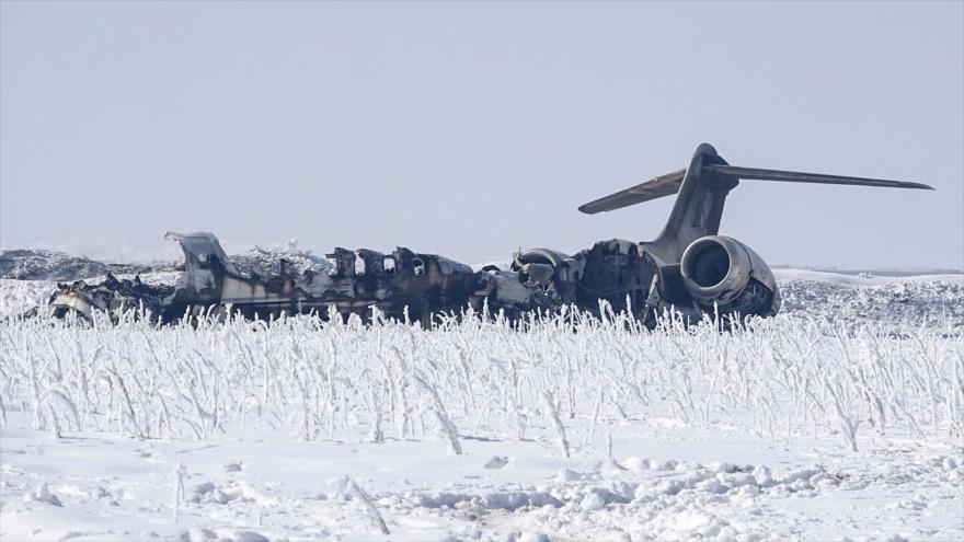Avión militar de EE.UU. se estrella en la provincia de Gazni, en el este de Afganistán, 27 de enero de 2020. (Foto: AFP)