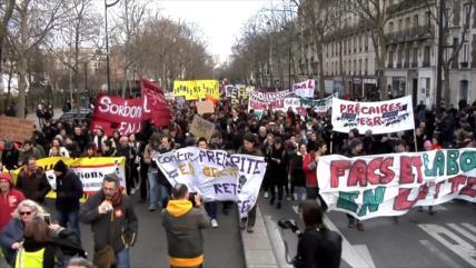 Franceses vuelven a manifestarse contra reforma de pensiones