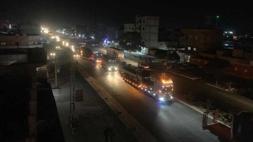 Un convoy militar de las fuerzas estadounidenses a lo largo de la frontera entre Siria e Irak.