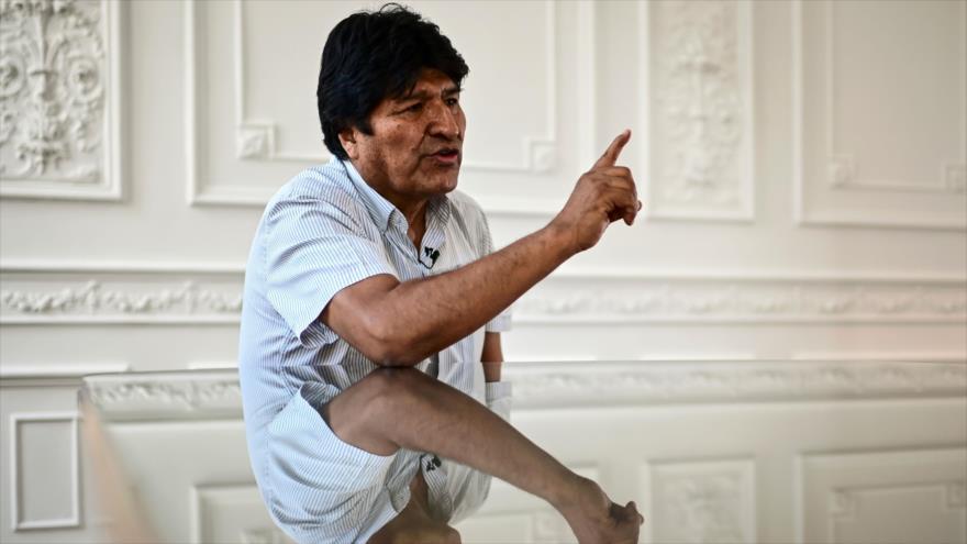 El presidente depuesto de Bolivia, Evo Morales, habla durante una entrevista con AFP, Buenos Aires, Argentina, el 24 de diciembre de 2019 (Foto: AFP)