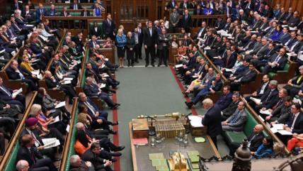 Diputados británicos llaman a rechazar 'acuerdo del siglo'