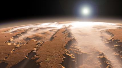 FOTO: NASA capta espectacular colapso del hielo polar en Marte