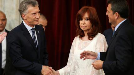 Cristina Fernández demanda a Macri por 'persecución política'