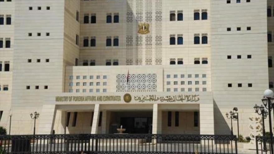 Fachada del edificio de la Cancillería siria en Damasco, la capital.