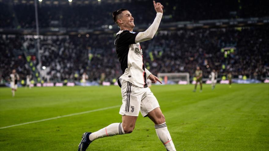 El delantero portugués de la Juventus, Cristiano Ronaldo, en un partido con Cagliari en Turín, Italia, 6 de enero de 2020. (Foto: AFP)