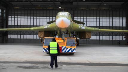 Rusia prueba bombardero modernizado Tu-160M con capacidad nuclear