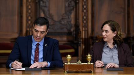 Sánchez sigue los intentos por mantener diálogo con Cataluña