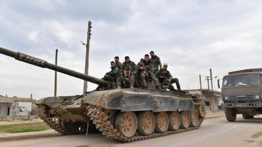 Sirios cruzan autopista Alepo-Damasco tras capturar nuevas áreas | HISPANTV