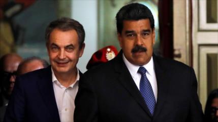 Zapatero se reúne con Maduro y respalda su mesa de diálogo