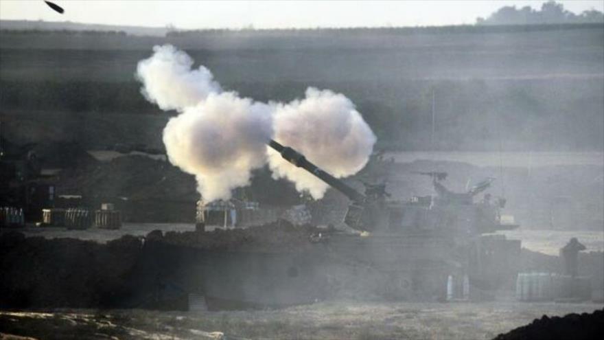 Un tanque israelí dispara un proyectil hacia la Franja de Gaza, 31 enero 2020. (Foto: EFE)