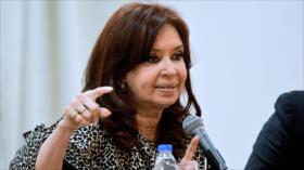 Fernández pide indagar préstamo 'ilegal' que recibió Macri del FMI