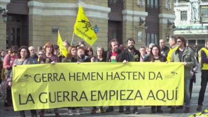 Vídeo: Españoles protestan por la llegada de buque saudí con armas