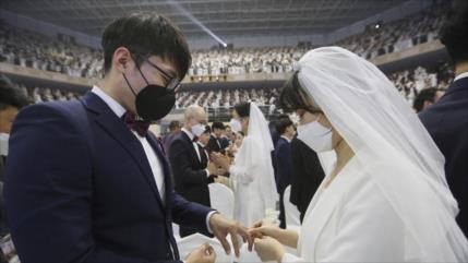 Miles de parejas celebran boda en Corea del Sur pese a coronavirus