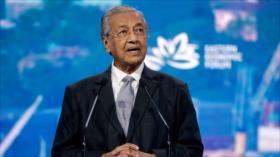 El premier de Malasia pide la dimisión de Trump para 'salvar EEUU'